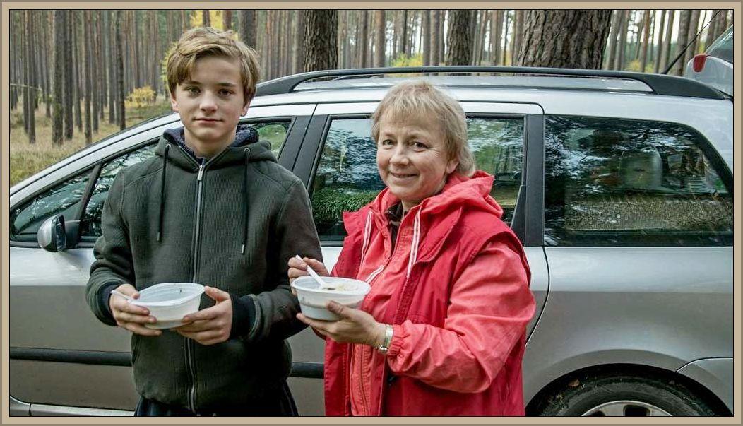 Natürlich serviert von unserer guten Seele Irena und dem kleinen Jonas, der inzwischen der Mama zumindest in der größe überlegen ist. Wie doch die Zeit vergeht!