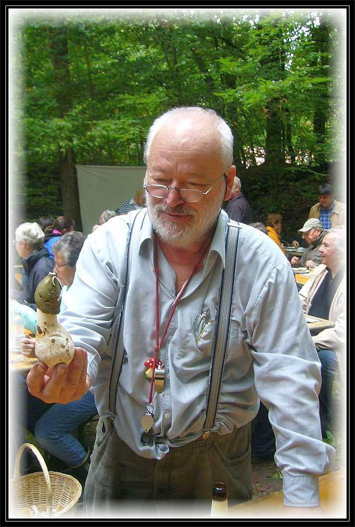 In diesem Zusammenhang noch ein Erinnerungsfoto von Harry Käding der diese Veranstaltung Jahrelang mit betreut hatte und leider vor wenigen Jahren verstorben ist. Du bist nicht vergessen!